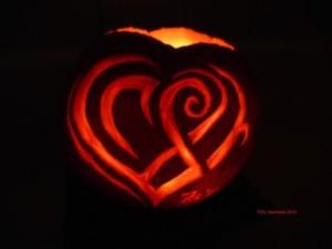 141030_Samhain_Heart2013_x385